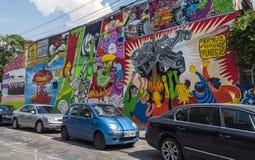 BUKAREST - 21. JUNI: Graffiti durch unbekannte Künstler auf Arthur Veron Stockfotos