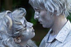 Bukarest, Rumänien - 7. Juni 2014: Romeo und Juliete stellen, Straßen-Theater-Festival Statui Vivante dar Lizenzfreies Stockfoto