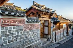 Bukchon Hanok by royaltyfria foton