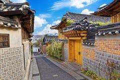 Bukchon Hanok historiskt område på Seoul arkivbild