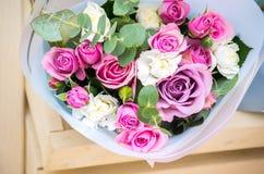 Bukett av blommor en sammansättning av rosor Royaltyfria Foton