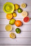 Bukett av elakt bra frukter Arkivfoto