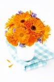 Bukett av orange blommor Arkivfoto