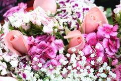 Bukett av rosa färg- och lilablommor Royaltyfri Fotografi