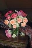 Bukett av rosa och röda ro Royaltyfria Bilder