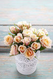 Bukett av rosa pastellfärgade rosor Royaltyfria Foton