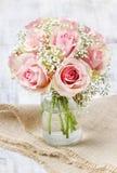 Bukett av rosa rosor Royaltyfri Bild