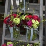 Bukett av vanliga hortensian, nejlikor och vanliga hortensior Royaltyfria Foton
