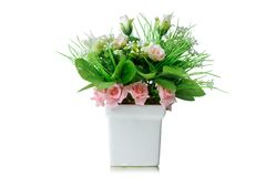 Bukett för konstgjorda blommor i vasen som isoleras på vit bakgrund Arkivfoto