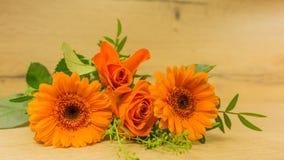 Bukett i apelsinen - Gerbera royaltyfria foton