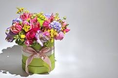 buketten blommar fjädern Arkivbild