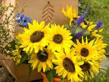 buketten blommar yellow Arkivbild