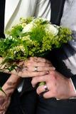 buketten hands bröllop Fotografering för Bildbyråer