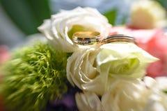 buketten ringer bröllop Royaltyfria Bilder