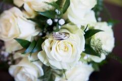 bukettro som gifta sig white cirklar Arkivfoto