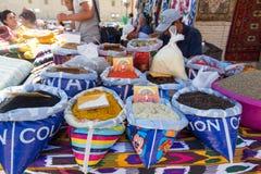 BUKHARA UZBEKISTAN, MAJ, - 25, 2018: Jedwab i pikantność festiwal 2018 Tradycyjny azjatykci pikantność bazar w Bukhara, Uzbekista Obrazy Royalty Free