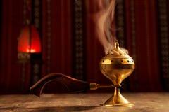 Bukhoor在一mabkhara通常被烧在许多阿拉伯国家 免版税库存照片