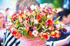 Bukiet czekoladowe róże, odizolowywający Bukiet z czekoladowym mrożeniem Prezent dla ciebie Specjalny prezent dzień macierzysty s Obraz Royalty Free