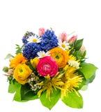 Bukiet kolorowi wiosna kwiaty odizolowywający zdjęcie stock