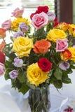 Bukiet wielo- barwiony emerytura róże Fotografia Royalty Free
