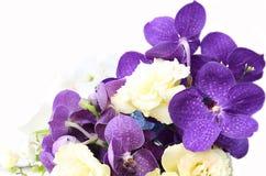 Bukiet z purpurowymi orchideami, róże, hortensja kwiat Fotografia Stock