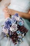 bukieta panny młodej mienia ślub obraz stock