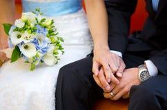 bukieta panny młodej fornal wręcza ślub Fotografia Royalty Free