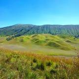 Bukit Teletubies in montagna di Bromo fotografia stock libera da diritti