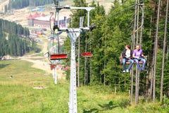bukovel carpathians升降椅手段滑雪乌克兰冬天 库存照片