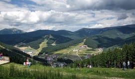 Bukovel - località di soggiorno carpatica nelle montagne Fotografia Stock