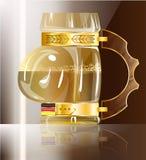 Buktat exponeringsglas av öl Arkivbild