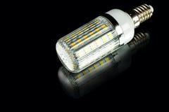 Bulbo de poupança de energia do diodo emissor de luz do milho da inovação branca imagens de stock royalty free