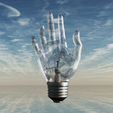 Bulbo e céu da mão Fotografia de Stock