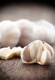 Bulbos do alho com cravos-da-índia de alho Imagem de Stock Royalty Free