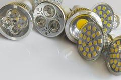 Bulbos do diodo emissor de luz GU10 com as diretrizes diferentes do feixe Fotos de Stock Royalty Free