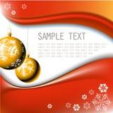 Bulbos dourados do Natal com flocos de neve Imagens de Stock Royalty Free