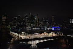 Buldings in de nacht van New York royalty-vrije stock foto