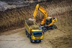 buldożeru ekskawatoru ciężarówki działanie Fotografia Stock