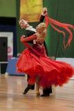 Buldyk Sergey y demostración de la danza de Raiko Alena Perform Adult Show Case durante el campeonato nacional foto de archivo libre de regalías