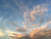 Bule-Himmel lizenzfreie stockfotografie