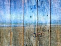 Buleoceaan en hemel op Houten textuur Stock Foto's