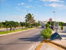 Bulevar Kukulcan em Cancun fotos de stock royalty free