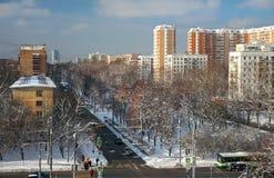 Bulevar no inverno, Moscou de Sirenevyj, Rússia Foto de Stock