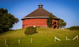 Bulevar redondo del granero en Santa Rosa CA imagenes de archivo