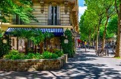 Bulevar St Germain en París, Francia foto de archivo