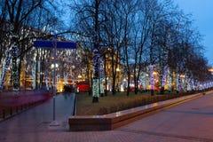 Bulevares de la decoración de la Navidad y calles de Moscú Fotos de archivo