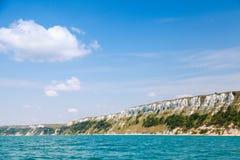 Bulgária, o Mar Negro Paisagem litoral com penhascos brancos imagem de stock