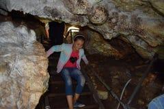 Bulgária, Snowcave, explorador Imagem de Stock Royalty Free