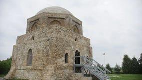 Bulgaars, Tatarstan, Rusland, 19 juli 2017, het monument - de Zwarte Kamer stock video