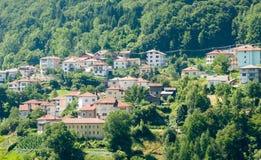 bulgaria Nuevo Smolyan - la ciudad en el bosque Imagen de archivo libre de regalías